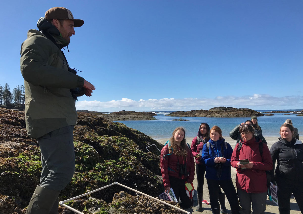 Nate Glickman teaching intertidal sampling